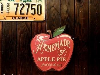 レトロブリキ看板 アップル看板 アメリカ雑貨屋 サンブリッヂ 雑貨通販