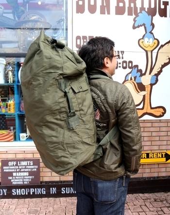 ミリタリーダッフルバッグ アウトドアバッグパック レプリカ新品 アメリカ雑貨屋 SUNBRIDGE