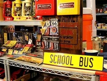 アルミエンボスサイン スクールバス看板<div><br></div>アメリカ雑貨屋 サンブリッヂ 岩手雑貨屋