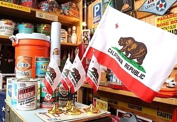 カリフォルニアミニフラッグ 卓上カリフォルニア国旗 アメリカ雑貨屋 SUNBRIDGE 岩手雑貨屋