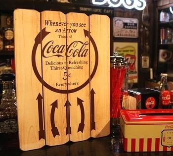 コカコーラ木製看板 コーラウッドサイン<div><br></div>アメリカ雑貨屋 サンブリッヂ SUNBRIDGE コーラ雑貨通販