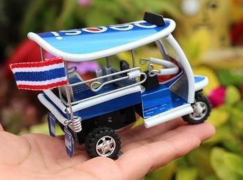 アルミ缶のトゥクトゥク トゥクトゥクアルミ缶 タイの三輪車タクシー トゥクトゥクおもちゃ トゥクトゥクオブジェ アメリカ雑貨屋 SUNBRIDGE 岩手雑貨屋