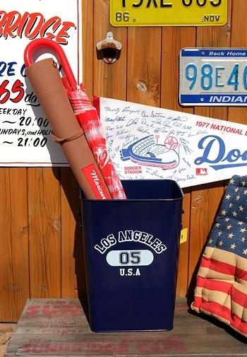 カレッジカン カレッジゴミ箱 アメリカンゴミ箱 ブリキダストボックス  アメリカ雑貨屋 SUNBRIDGE 岩手雑貨屋 矢巾雑貨屋