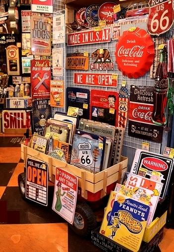 ピンナップガール看板 モービルガス看板  アメリカ雑貨屋サンブリッヂ SUNBRIDGE 岩手雑貨屋 アメリカ雑貨通販