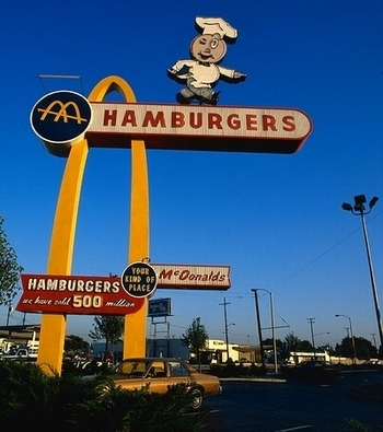 マクドナルドTシャツ  世界最古のマクドナルド店 アメリカ雑貨屋 サンブリッヂ SUNBRIDGE 岩手雑貨屋 アメリカ雑貨通販