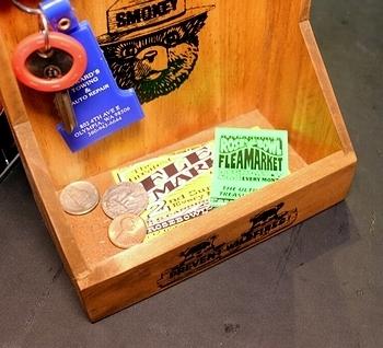 スモーキーベアキーフック SMOKEY BEAR  壁掛けキーシェルフ 玄関キーフック アメリカ雑貨屋 SUNBRIDGE 岩手アメリカン雑貨