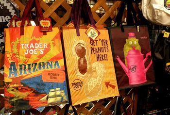 トレーダージョーズエコバッグ アメリカ エコバッグ 海外 アメリカ雑貨屋 アメリカン雑貨 サンブリッヂ 岩手雑貨屋 通販 矢巾町