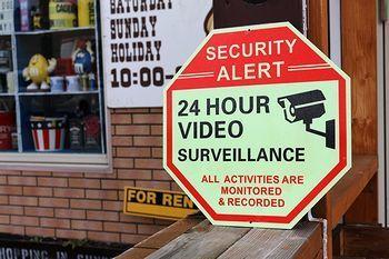 セキュリティサイン 蓄光看板 防犯カメラ設置看板 アメリカ雑貨屋 SUNBRIDGE 岩手矢巾雑貨