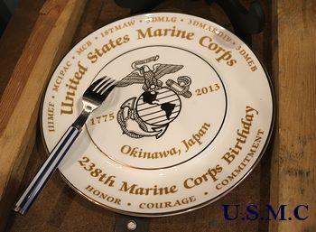 アメリカ海兵隊沖縄基地2013年記念プレート USMC ミリタリー皿 アメリカ雑貨屋 サンブリッヂ 岩手矢巾